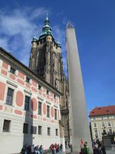 Obelisk na Třetím nádvoří Pražského hradu