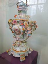 Předjaří v Královské zahradě - váza Míšeň