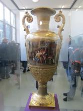 Předjaří v Královské zahradě - váza z Petrohradu, nejvzácnější exponát