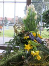 Předjaří v Královské zahradě - vazba z jarních květin